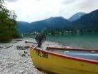 Ruderboot am Ufer des Walchensee